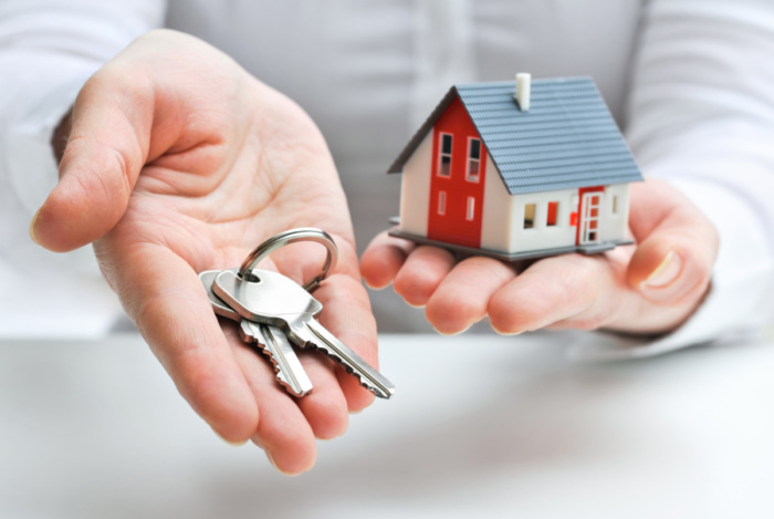 Каким образом взять ипотеку, если официальная зарплата маленькая